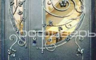 Входные двери металлические со стеклом и ковкой